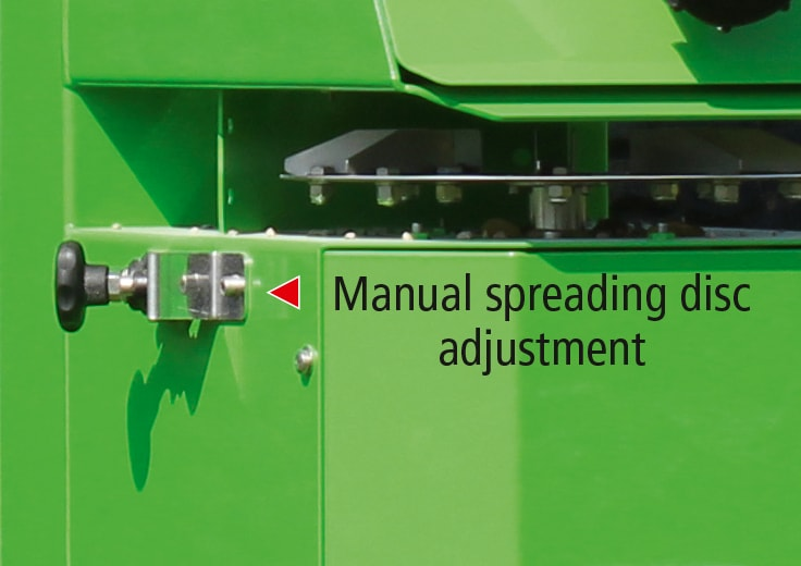 Manual spreading disc adjustment